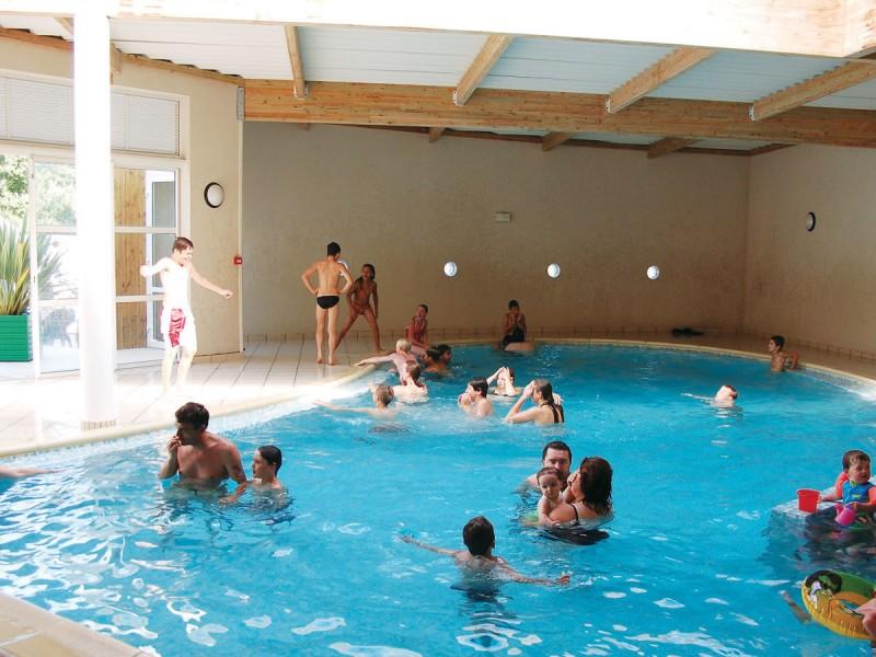 Camping les biches i mobil home lou petit prix for Prix piscine chauffee
