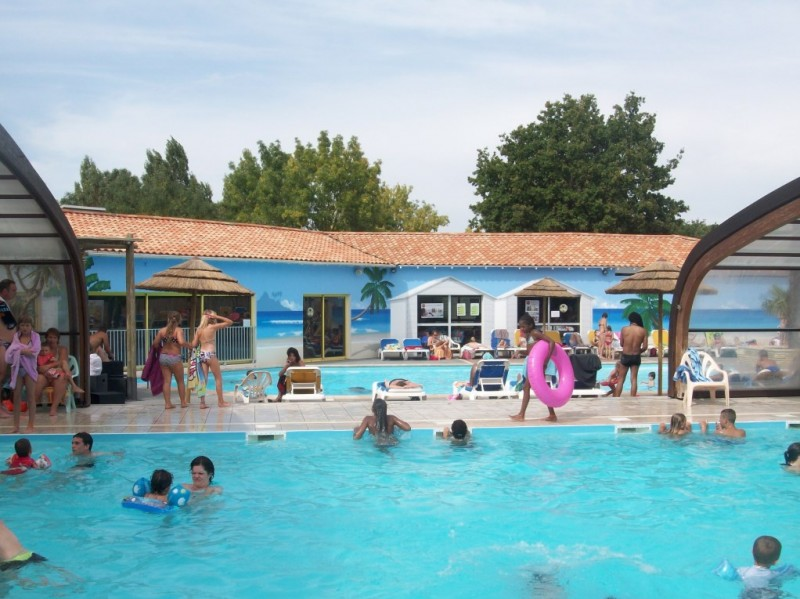 Camping ol ron loisirs i mobil home lou bas prix for Camping poitou charente piscine