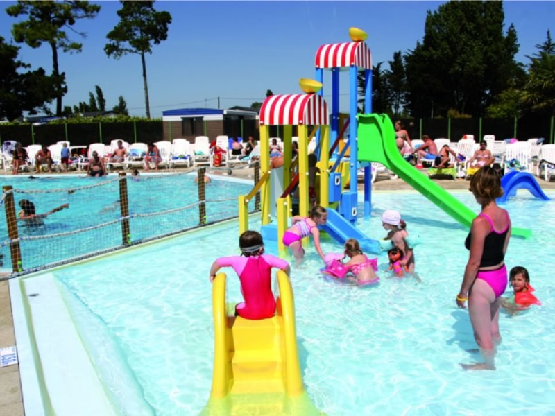 Camping zagarella i mobil home lou co t r duit for Piscine jean bouin st quentin