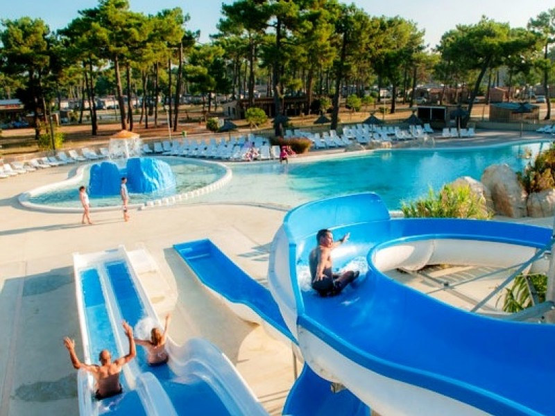 Camping atlantique club montalivet i mobil home lou for Club vacances ardeche avec piscine