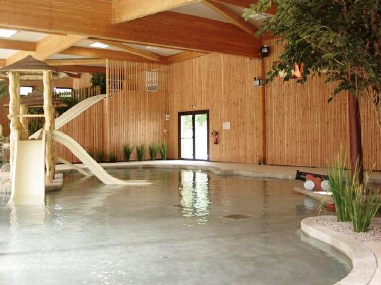 Camping le palace i mobil home lou co t r duit for Cout d une piscine couverte