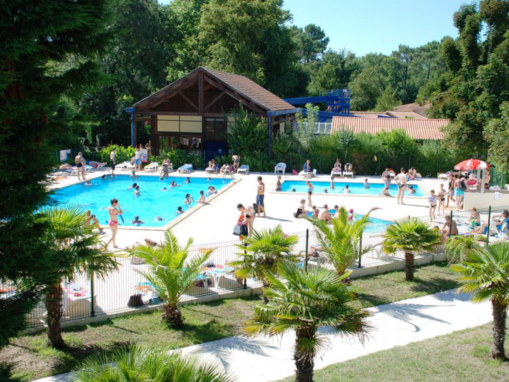 Camping la clairiere for Camping poitou charente piscine