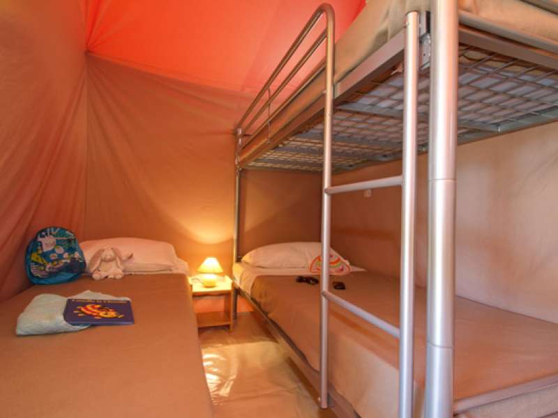 location tente equipee camping languedoc roussillon