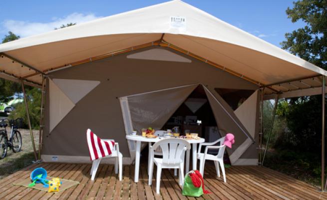 Location tente 4 à 5 personnes camping 3 étoiles Vendée