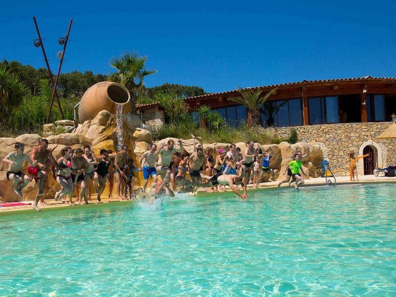 Location camping mer et camargue louer un camping en for Camping en camargue avec piscine