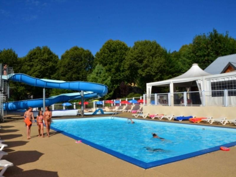 Location camping de l 39 europe louer un camping en puy de d me - Bassin aquatique contemporain calais ...
