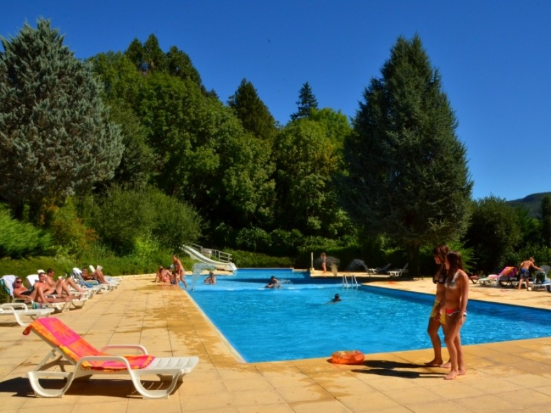 Location camping marmotel louer un camping en aveyron - Location aveyron piscine ...