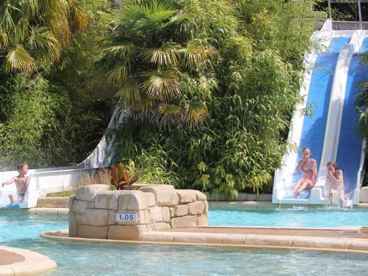Location camping domaine de la ville huchet en ille et for Camping ille et vilaine piscine couverte