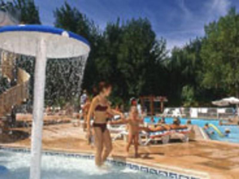Camping monplaisir i camping pas cher dans l h rault for Camping saint remy de provence avec piscine