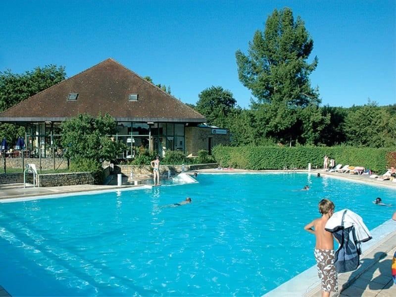 Location camping tr molat louer un camping pas cher for Camping dordogne avec piscine pas cher