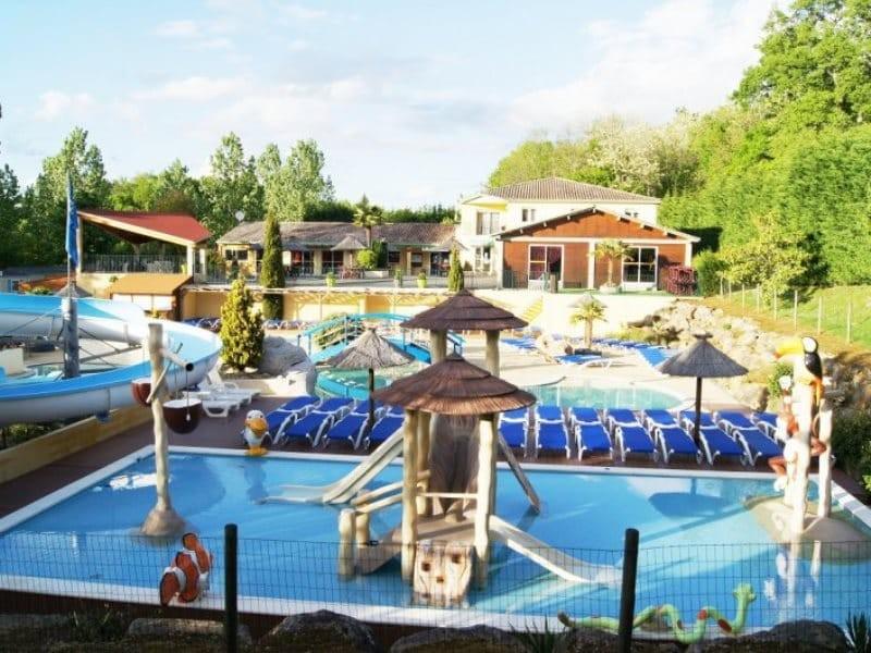 Location camping l 39 escapade louer un camping pas cher for Camping dordogne avec piscine pas cher