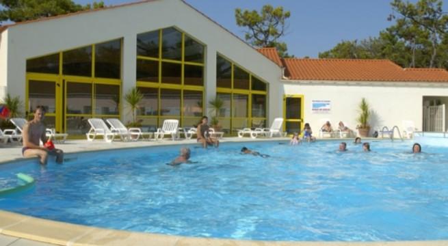 Camping atlantique vacances location mobil home vend e - Bassin aquatique contemporain calais ...