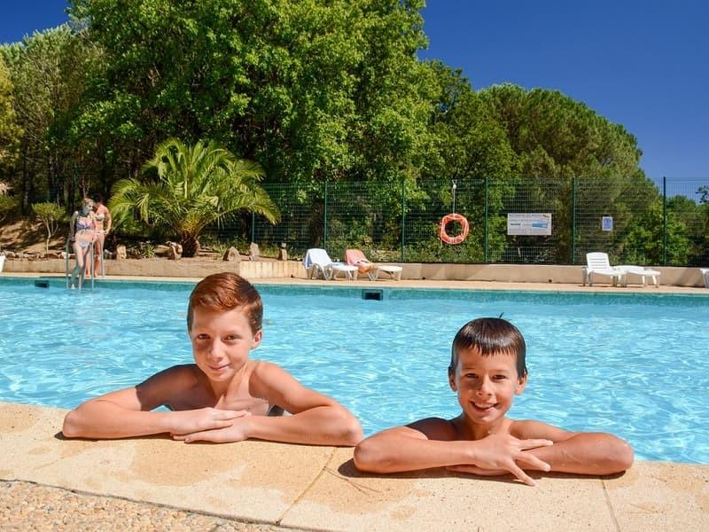 Camping domaine de verdagne location mobil home var for Camping var piscine